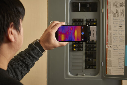 FLIR_One-electrical.jpg